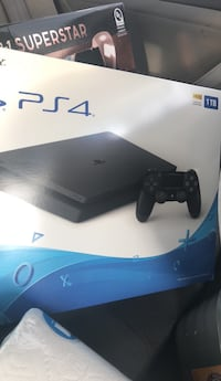 Sony PS4 console with controller box Kearny, 07032