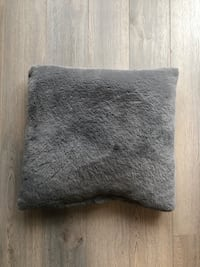 Decorative Pillow for Sale Markham, L6B 1N4