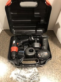 Black & Decker Cordless Drill and Flashlight Set With Battery/Charger and Bit Set Manassas