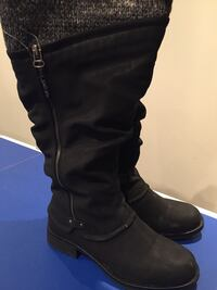 pair of black leather boots Markham, L3P 4B4