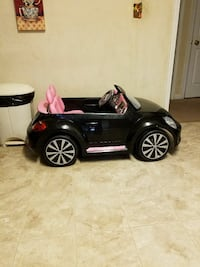 black and pink ride on toy Macon, 31206