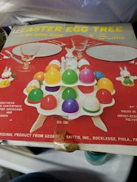 Vintage Easter egg plastic holder Bethlehem, 18018