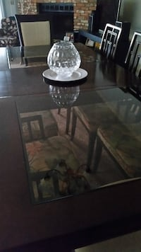 Dining room table & chairs JACKSONVILLE