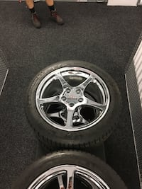 C5 corvette rims and tires. Less than 200 miles on tires Vernon Hills, 60061