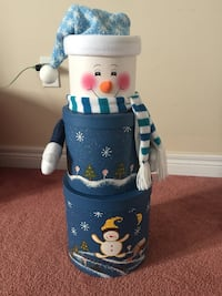 white and blue Snowman gift boxes