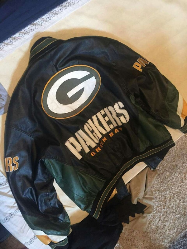 best service adf33 fa7ec Used green bay packers satin jacket for sale in Denver - letgo