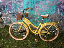 "26"" women huffy cruiser ready to ride $70 firm"