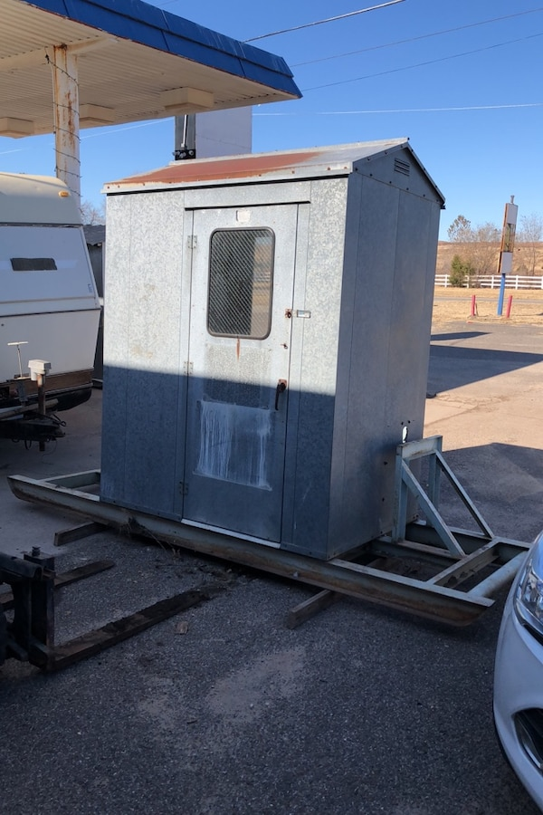Used Portable building snowcone stand guard shack bus stop ...