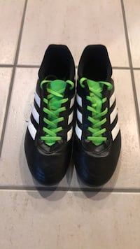 soccer cleats adidas mens, Size 9,5