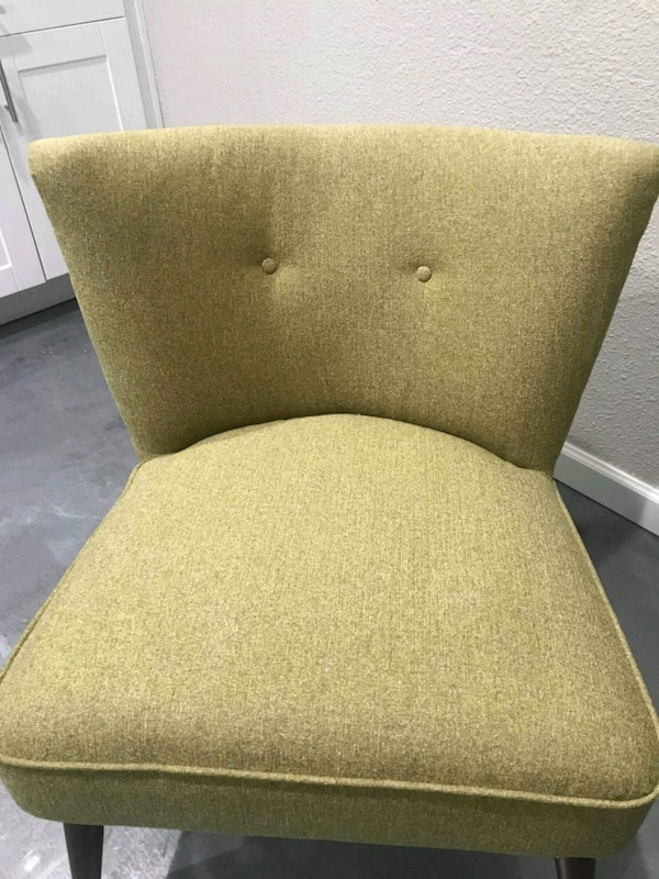 Armless green chair 5