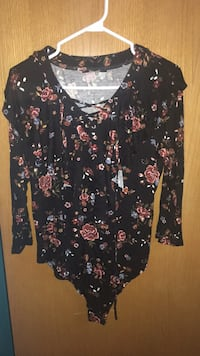 Floral body suit , size 16, new St Catharines, L2T