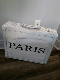 Valise antique relooke Châteauguay, J6K 1C4