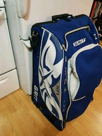 blue and white Callaway golf bag Kelowna, V1X 3J8
