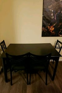 Dining room table College Park, 20740