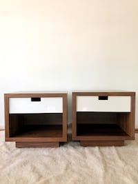 Set of gorgeous modern nightstands/end tables!  Little Rock, 72223