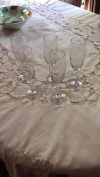Five clear glass champagne flutes Pickering, L1V 5V6