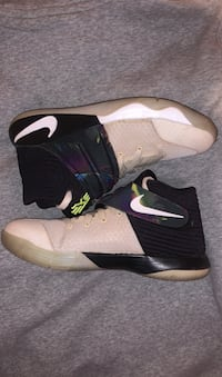 Kyrie youth basketball shoes