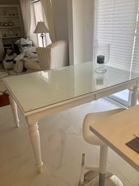Beautiful hardwood white table in excellent condition with a price $1200 720 km