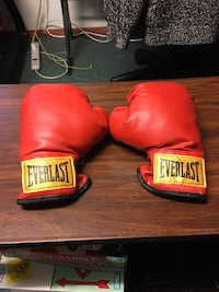 Boxing gloves and accessories Winnipeg, R3E 2Y3