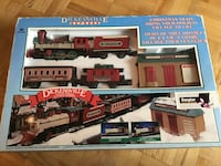 Vintage Dickensville collectable express train Toronto, M1E 4S4