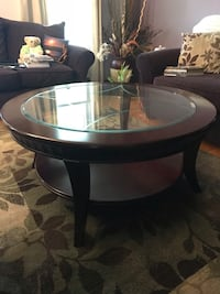Cherry coffee table w two matching end tables   Jamesville, 13078