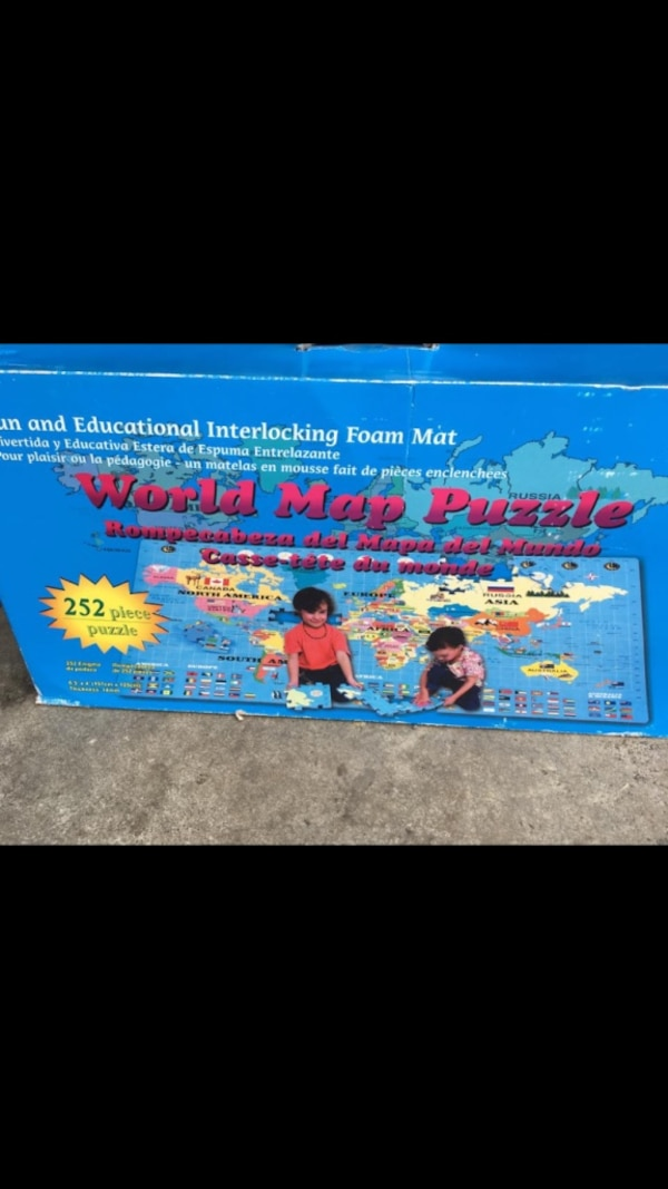 Giant world map puzzle