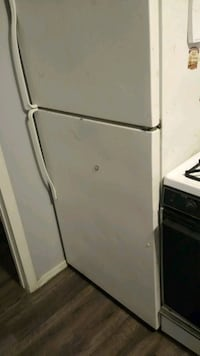 Whirlpool refrigerator and stove combo