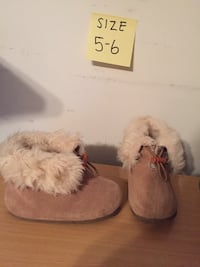 Toddler girl boots size 5-6  Woodbridge, 22193
