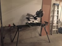 black and gray compound bow 萨里, V4N 5B8