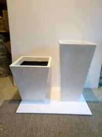 2 square fiberglass planters for sale.