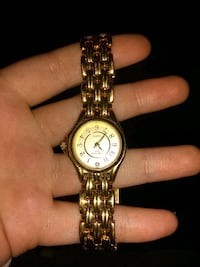 round gold-colored analog watch with link bracelet Rineyville, 40162