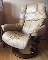 Ekornes stressless recliner chair tan leather