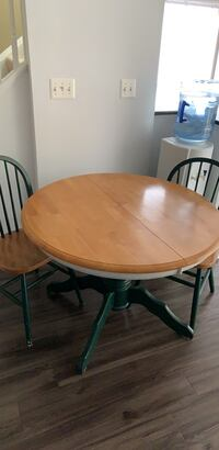 Wooden table with 4 wooden chairs Ashburn