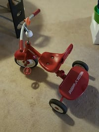 toddler's red Radio & Flyer trike Sterling, 20164