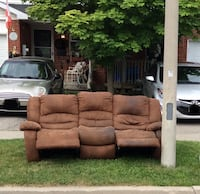 Free Double Lazy boy couch Cambridge, N1P 1A8