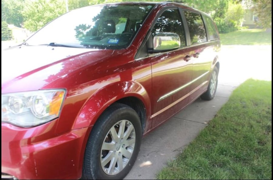 2011 Chrysler Town & Country Touring 0
