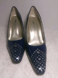 pair of black leather flats Caseyville, 62232