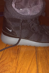 Nike boots Quincy, 02171