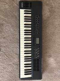 Black and white electronic keyboard Los Angeles, 90036