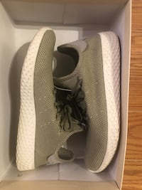 Adidas Tennis Hu sneakers Size 5 Mississauga, L5R 3E8