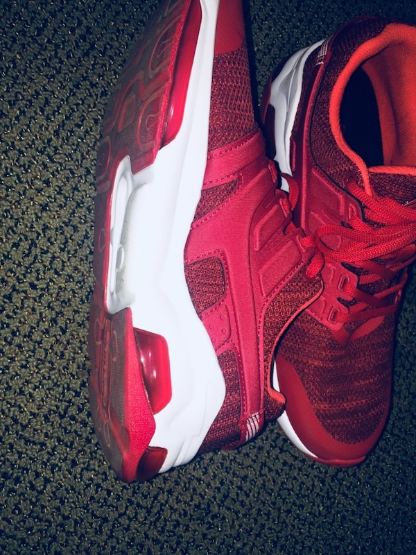 Lining Men's Red Basketball Shoes
