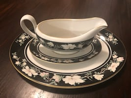 Royal Doulton Serving Tray & Gravy Boat