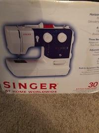 White and blue singer electric sewing machine Savannah, 31419