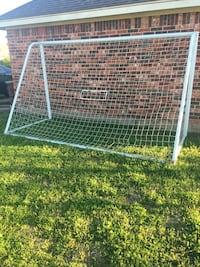 White metal framed Soccer Goal - 1 year old, was $100 new Haslet, 76052