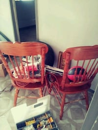 red and white wooden windsor chair San Antonio, 78227