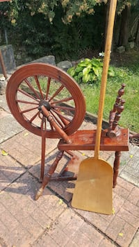 Spinning wheel  Kitchener, N2B 3V7