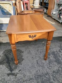 Beautiful  End Table Roy, 84067