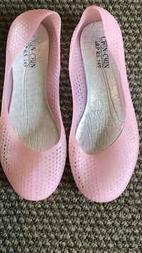 pair of pink flats