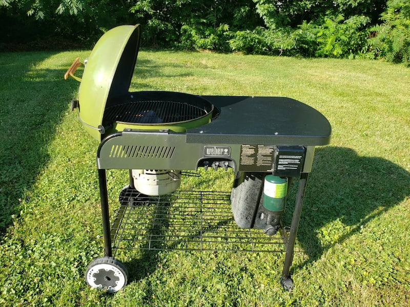 Grass green Weber performer  1