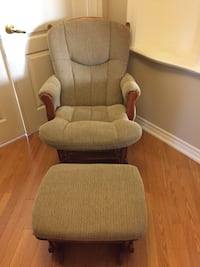 Rocking Chair with foot stool Vaughan, L4H 3L1